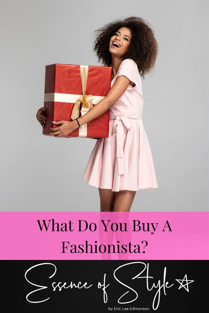 What do you buy a Fashionista as a gift? I have found some gifts ideas that are not going to break your pockets this holiday season! #giftforfashionistafriend #giftforfashionista #giftforfashionistaideas #giftguideforfashionista